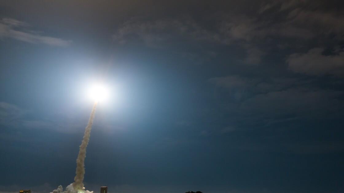 Ariane 5 met sur orbite deux satellites de télécommunication