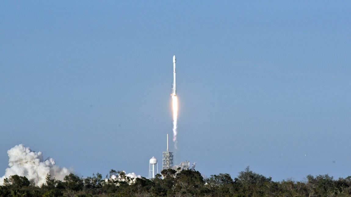 Après deux reports, SpaceX lance avec succès un satellite Intelsat