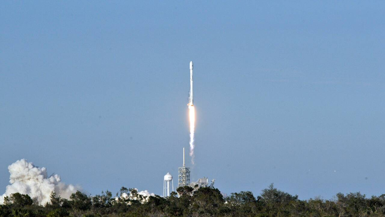 SpaceX lance un satellite de communications pour Inmarsat