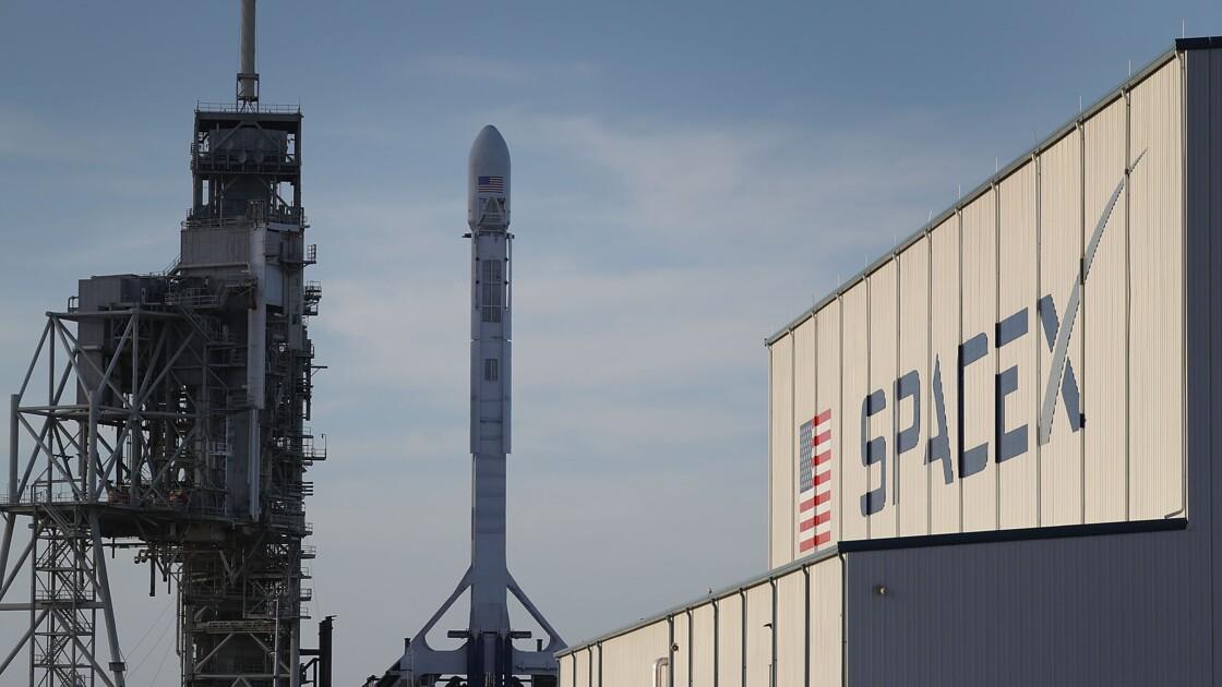SpaceX: report à cause d'un orage du lancement de la capsule Dragon vers l'ISS