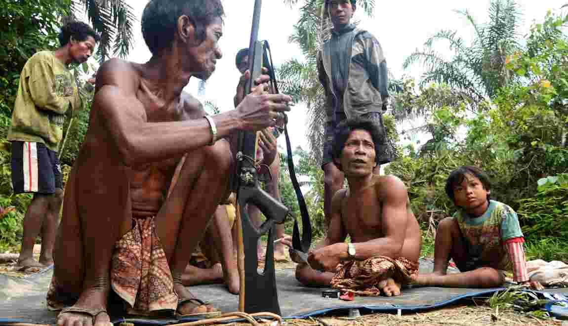 En Indonésie, des tribus victimes de la déforestation se tournent vers l'islam