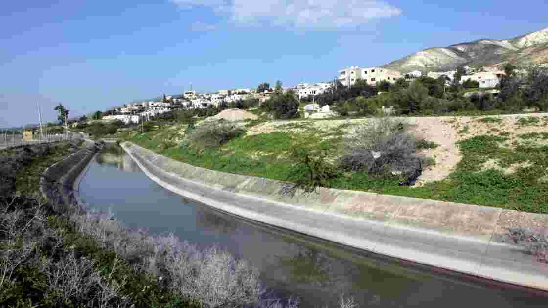 Au nord de la Jordanie, l'eau rare et chère avec l'afflux des réfugiés syriens