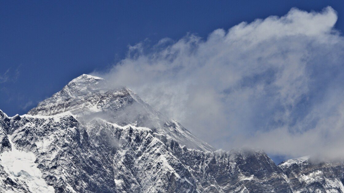 L'Everest a-t-il vraiment rapetissé? Une expédition ira le vérifier