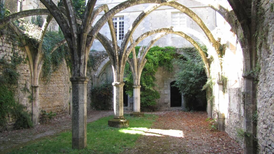 Saint-Michel en L'Herm : la remarquable abbaye royale
