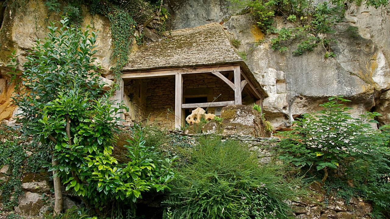 Mystères et croyances d'Aquitaine : Saint-Cirq et l'antre du sorcier préhistorique