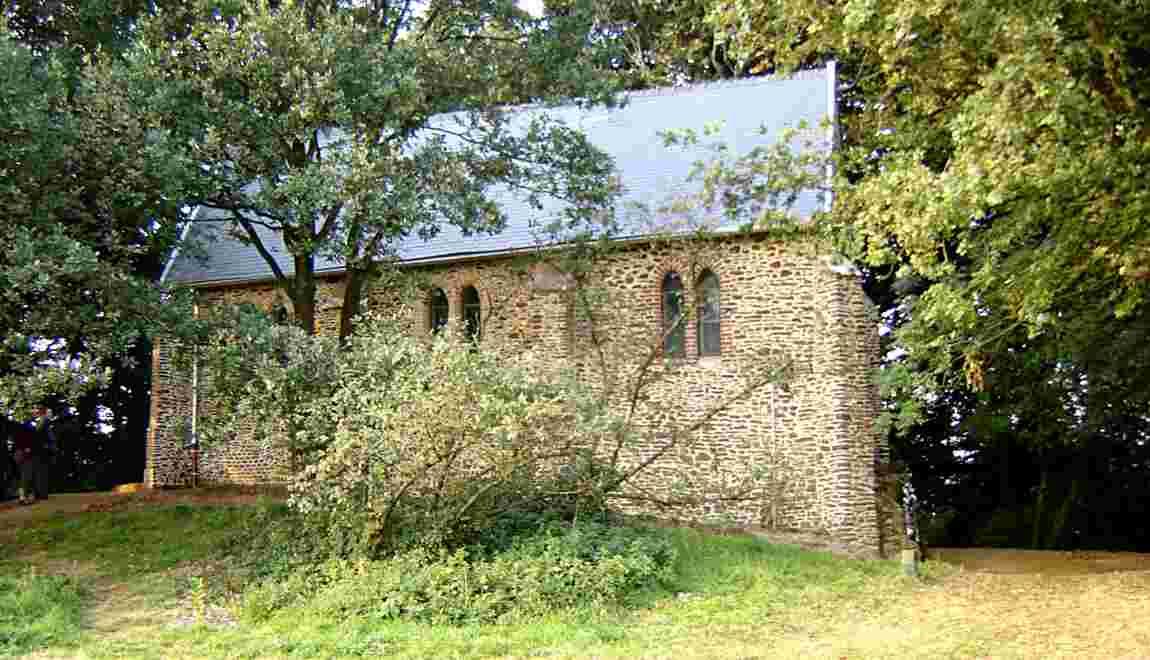 Mystères et croyances des Hauts-de-France : une chapelle à loques prophylactiques