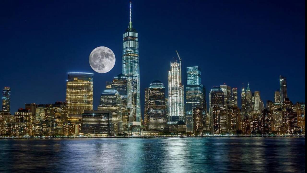"""PHOTOS - La """"super Lune"""" vue à travers la planète"""