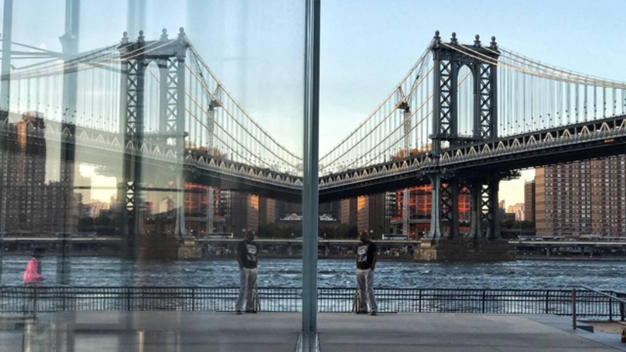 VIDÉO - De New York à Paris, 5 minutes avec l'écrivain Douglas Kennedy
