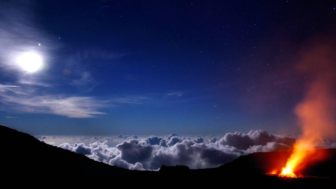 PHOTOS - A La Réunion, le piton de la Fournaise en majesté