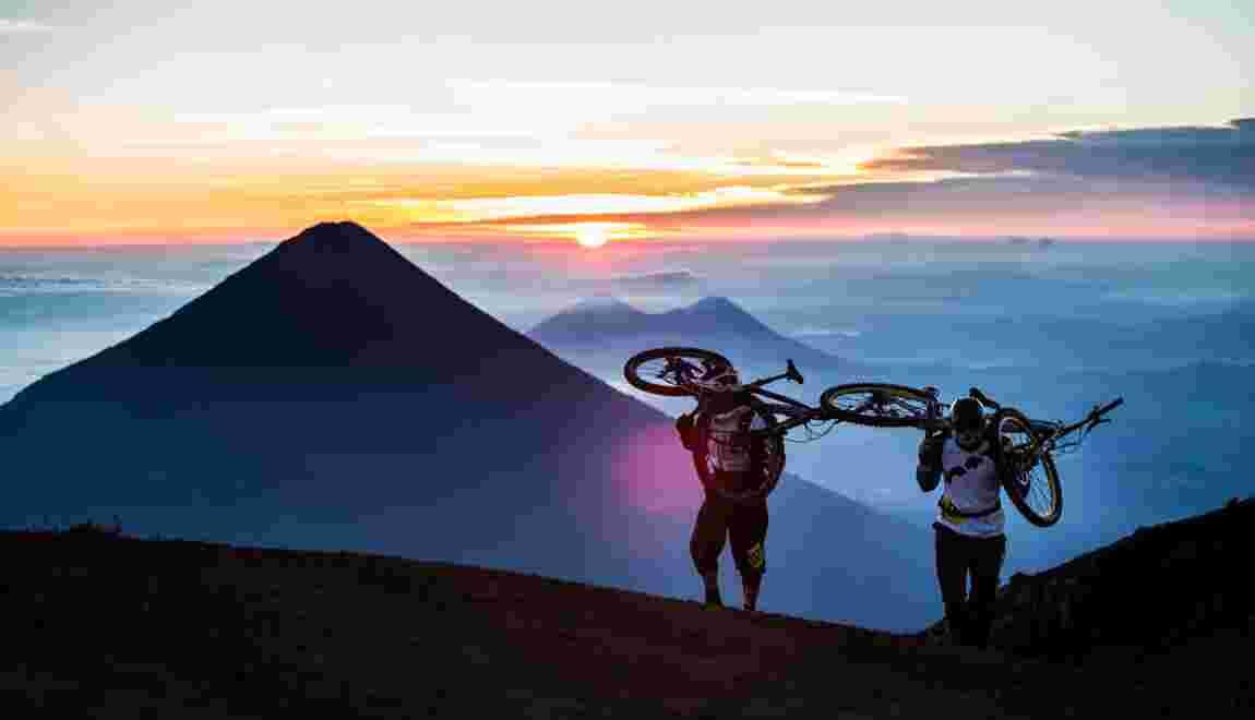 PHOTOS – A VTT sur les volcans du Guatemala