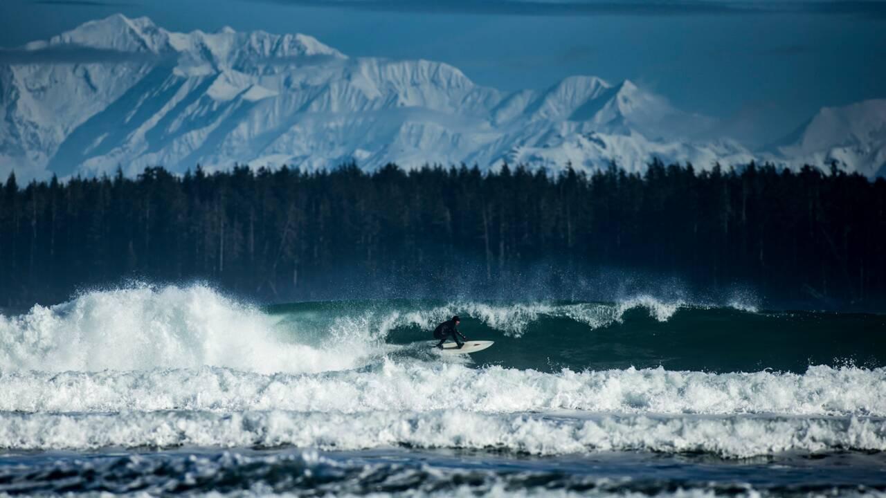 PHOTOS - Surf : spots de l'extrême de l'Alaska à la Californie