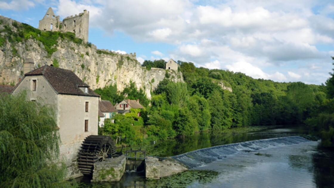 Angles-sur-l'Anglin : promenade dans l'un des plus beaux villages de France