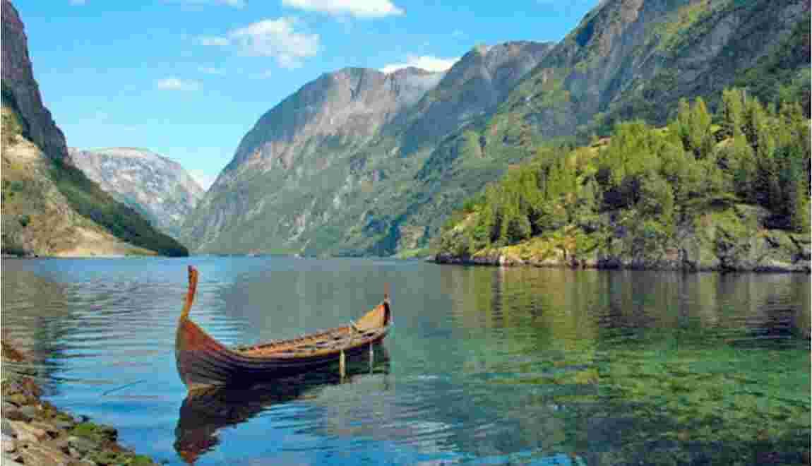 LE SALON DE MUSIQUE  - Page 22 Norvege-voyage