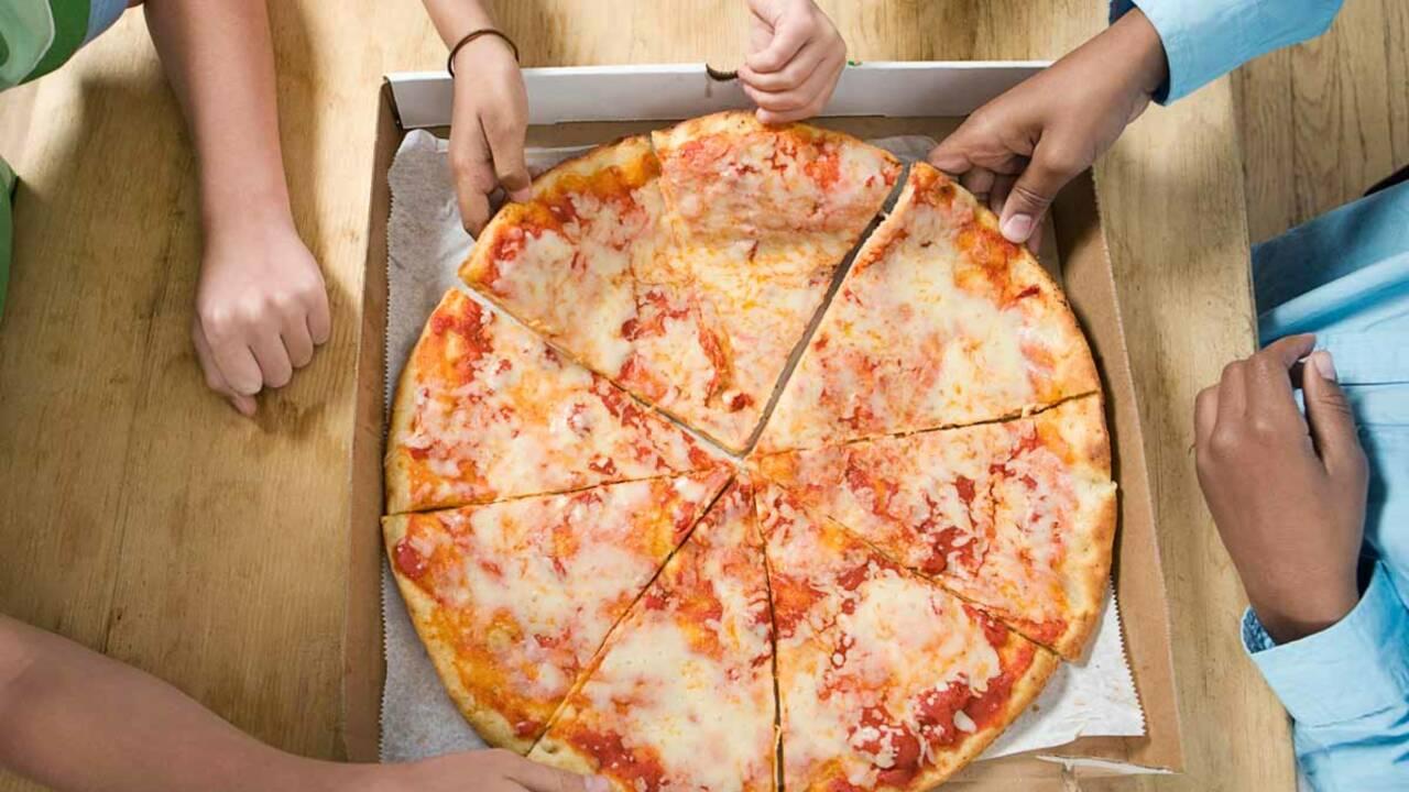 Pizzas, burgers…faut-il taxer la malbouffe ?