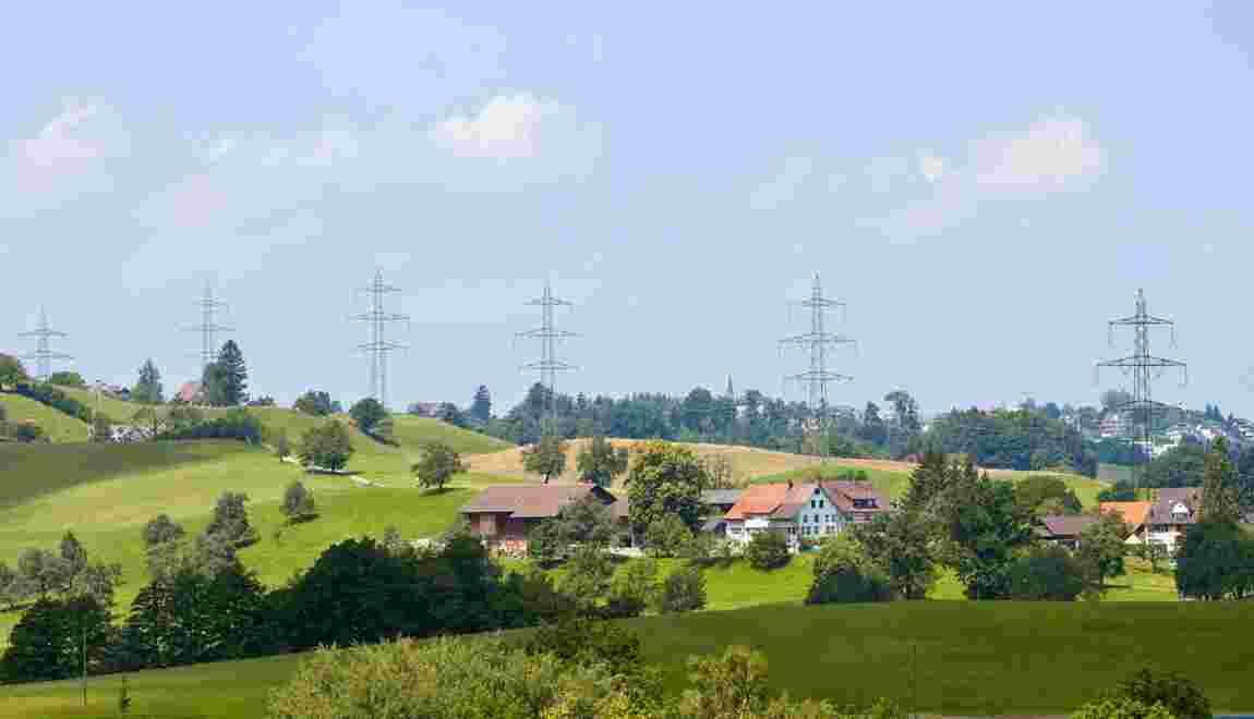 Lignes à très haute tension : faut-il interdire la construction d'habitations près des pylônes ?