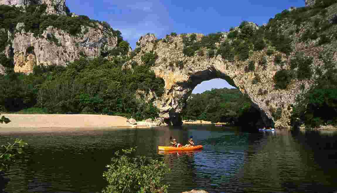 La descente des gorges de l'Ardèche en canoë-kayak