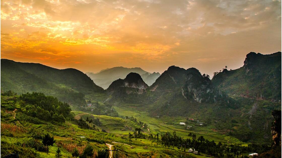 Vietnam : voyage à motocyclette sur les routes du nord