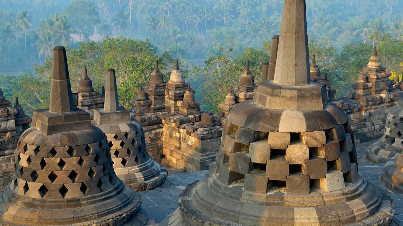 Indonésie : Borobudur, sanctuaire bouddhiste