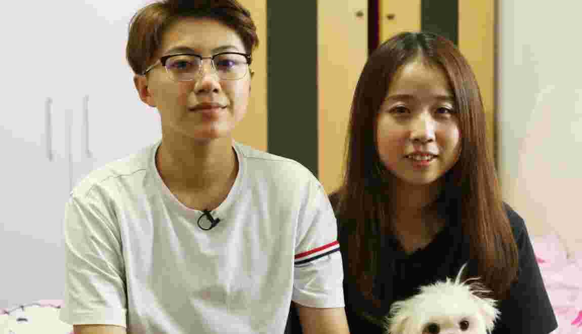 VIDÉO : En Chine, un couple de même sexe face aux pressions sociales