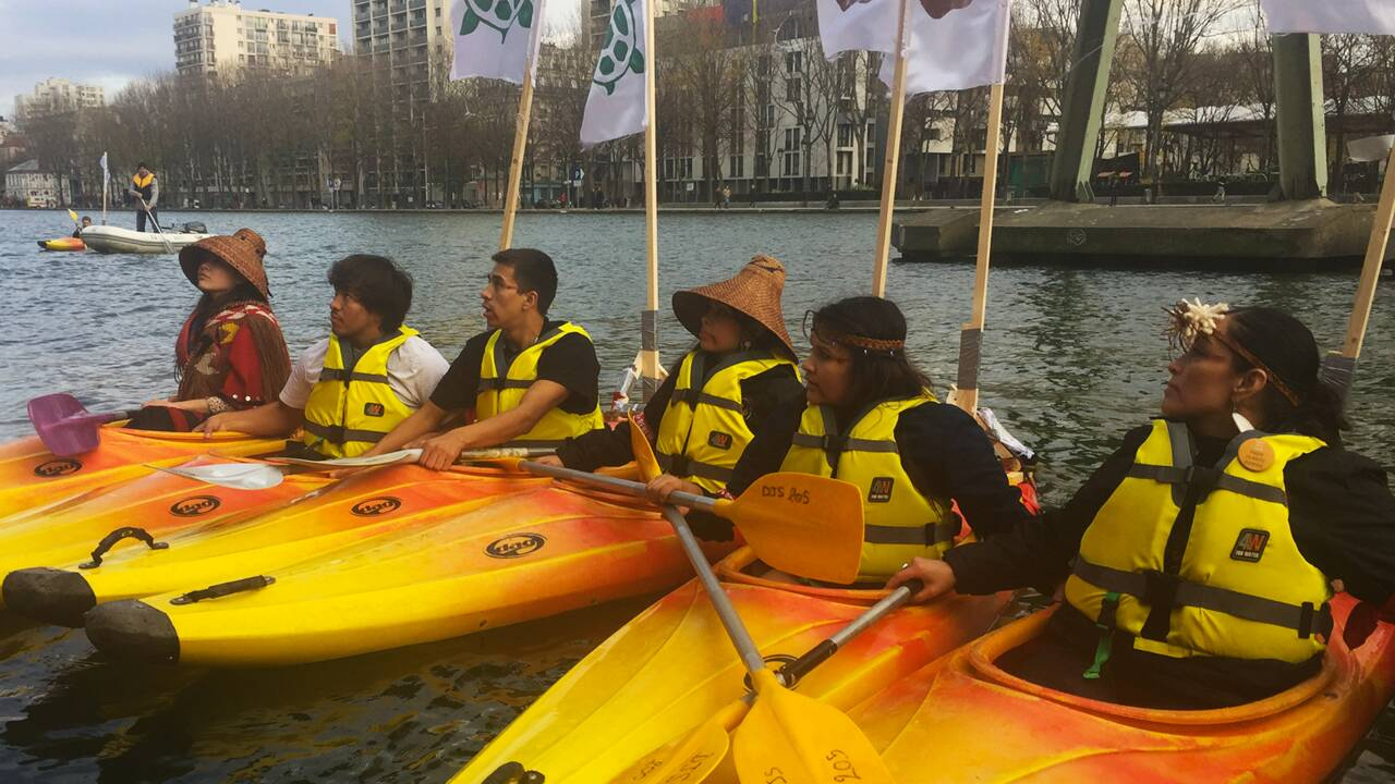 Une flottille de kayaks pour faire entendre la voix des peuples autochtones à la COP21