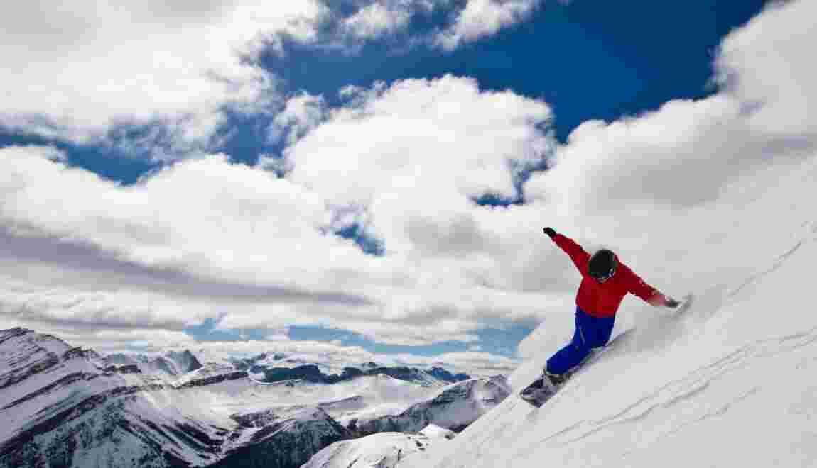 À Lake Louise, ski dans les Rocheuses canadiennes
