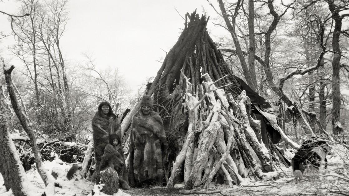 Terre de Feu : portraits de peuples disparus du bout du monde