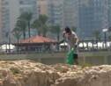 A Beyrouth, des Libanais se rassemblent pour nettoyer une plage
