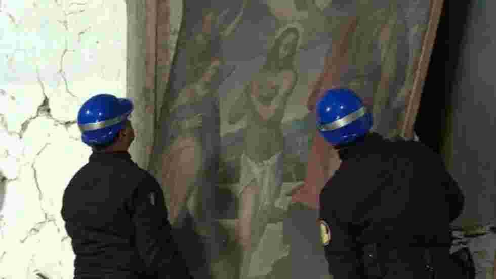 Des Casques bleus italiens au secours des trésors de Visso