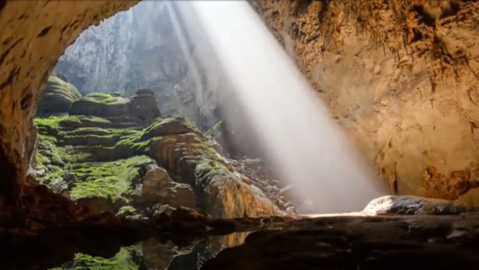 VIDÉO - Explorez la plus grande grotte du monde au Vietnam