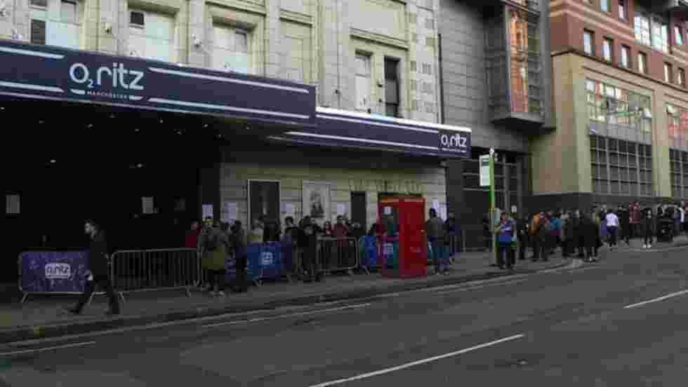 Manchester: concert de Liam Gallagher en soutien aux victimes /2