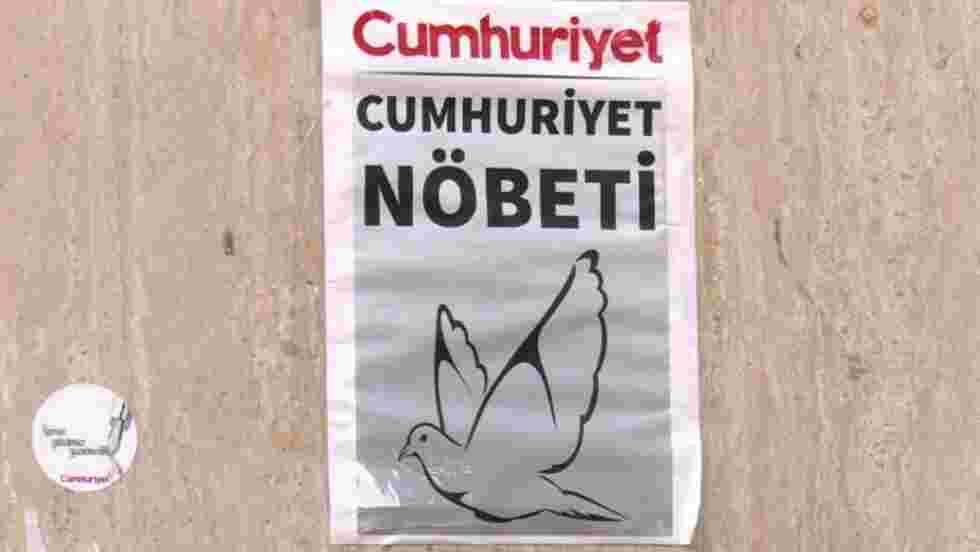 Turquie:arrestation du patron du journal d'opposition Cumhuriyet