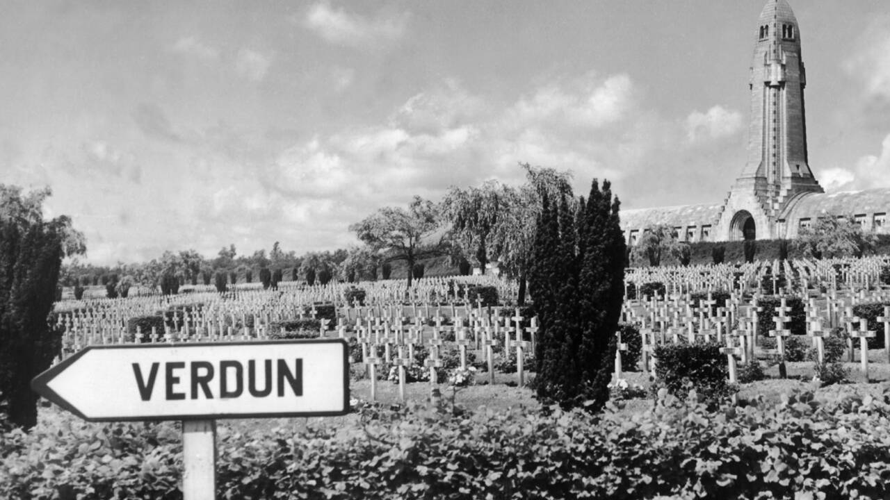 """Bataille de Verdun : """"De chaque côté du Rhin, on a construit un mythe"""""""