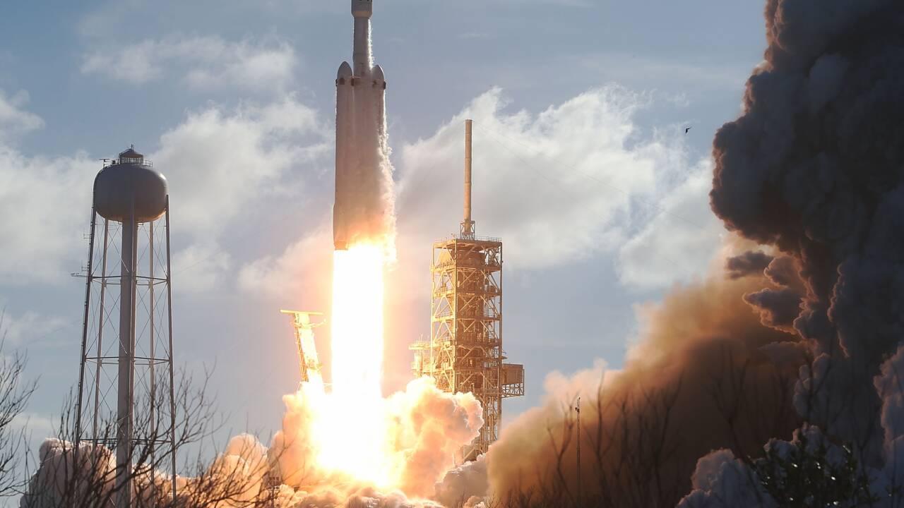 SpaceX retarde ses vols touristiques autour de la Lune