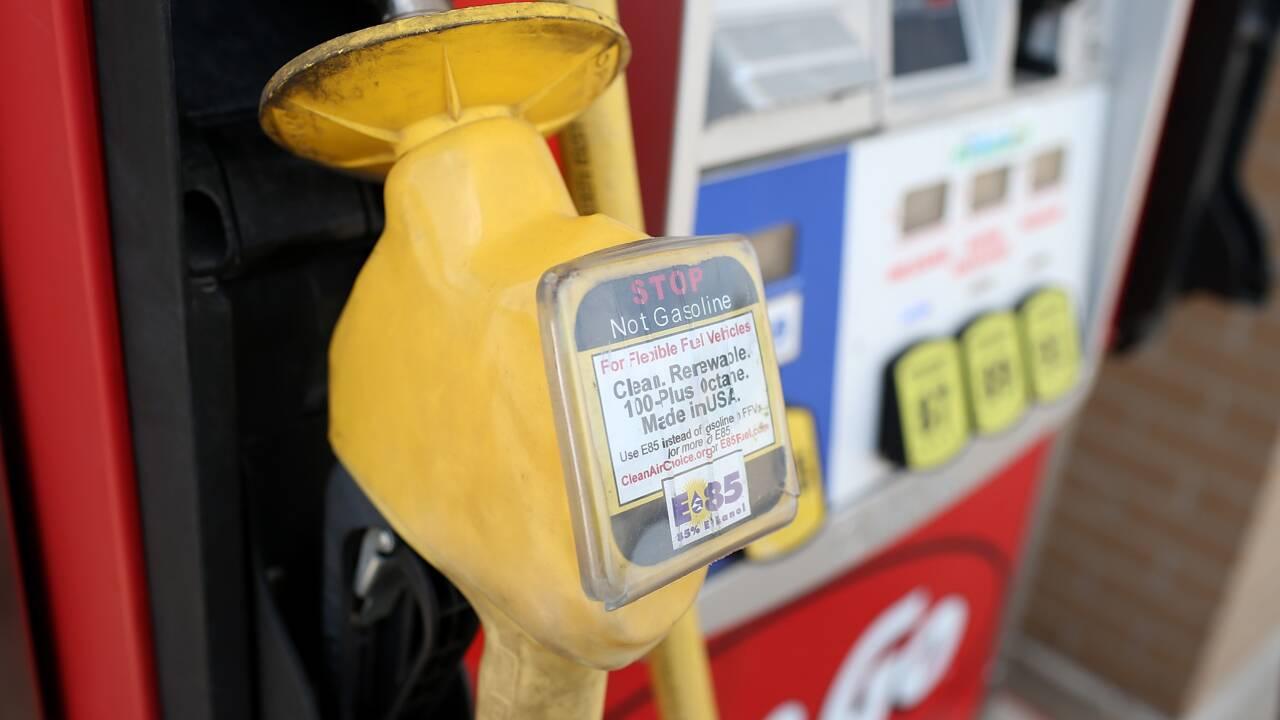 Sur les biocarburants, Trump tiraillé entre agriculteurs et raffineurs