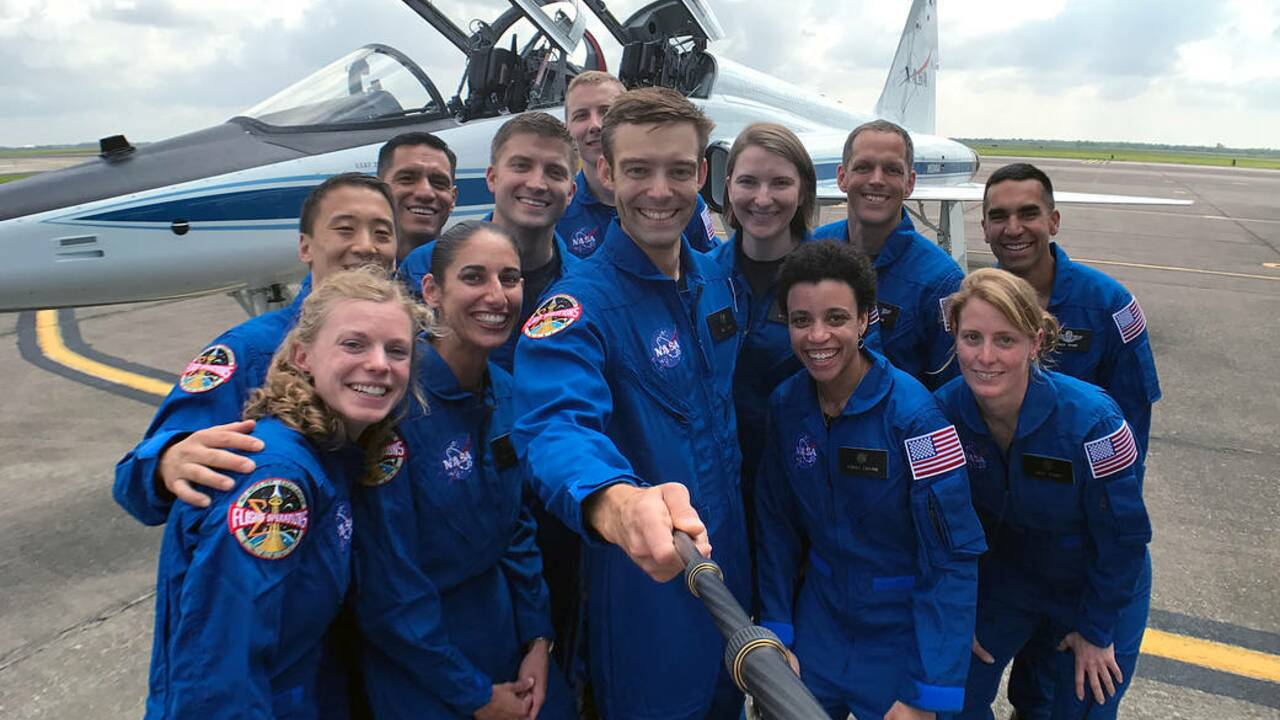 Objectif Mars, la Nasa présente douze futurs astronautes