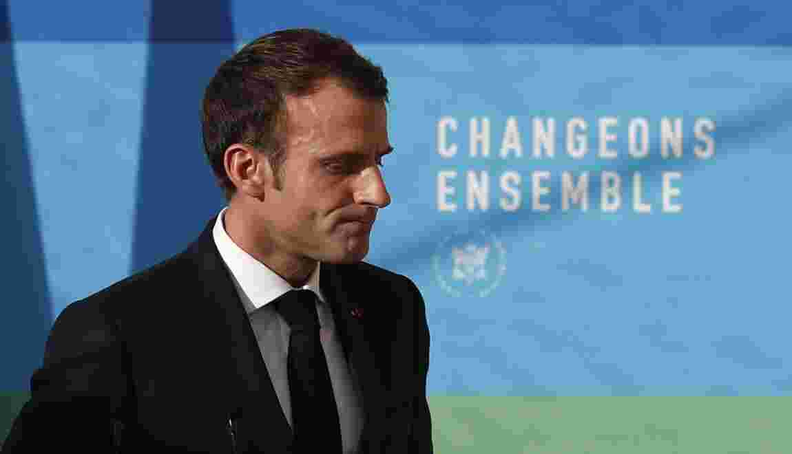 """""""Gilets jaunes"""": Macron veut aider """"les fins de mois"""" difficiles mais maintient le cap"""