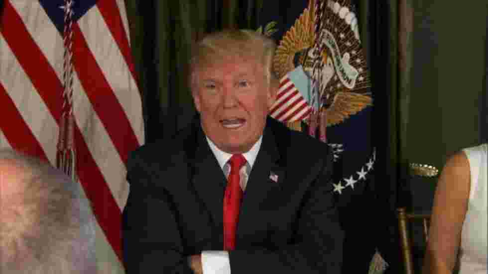 """Donald Trump promet """"le feu"""" à la Corée du Nord"""