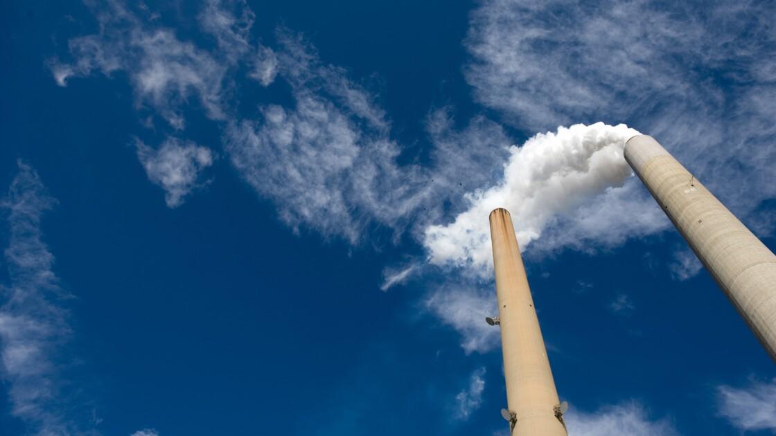Des nouveau-nés plus légers à cause de la pollution au charbon