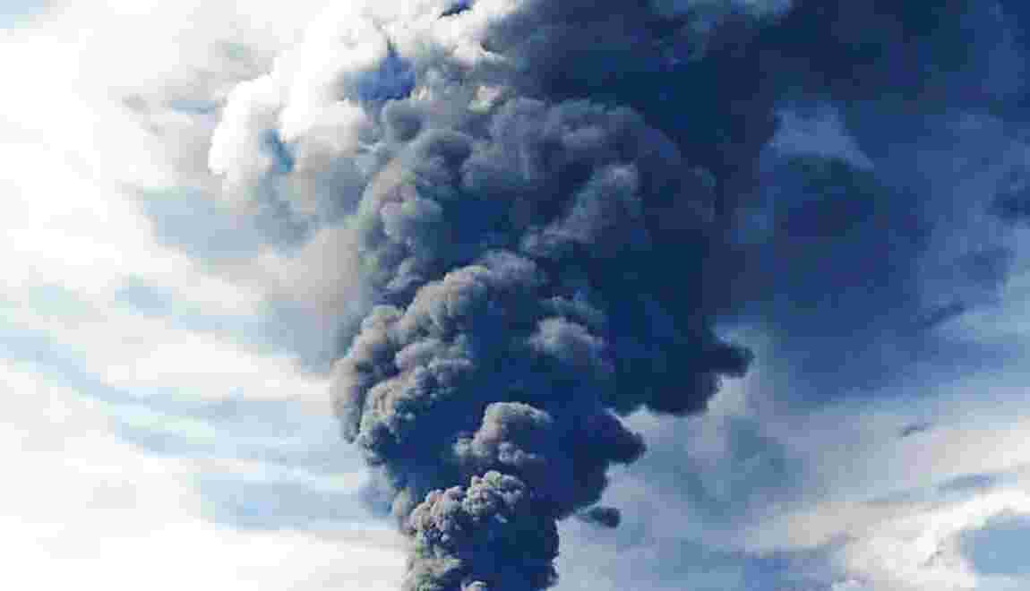 Chine: la catastrophe écologique menace après le naufrage d'un pétrolier
