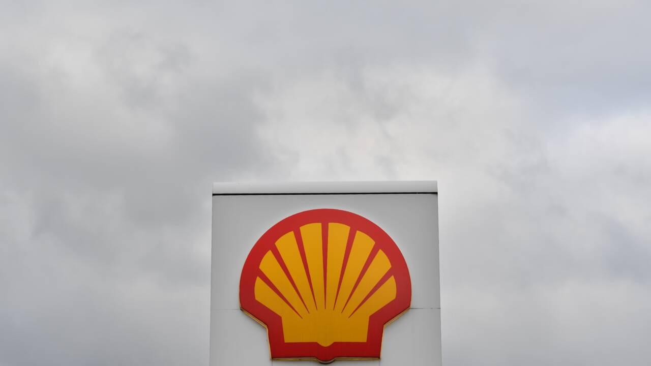 Pays-Bas: Shell, KLM et d'autres groupes accusés d'avoir soutenu financièrement un climato-sceptique