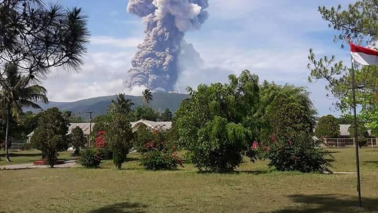 Indonésie: le bilan dépasse 1.400 morts, l'espoir de retrouver des survivants s'éloigne