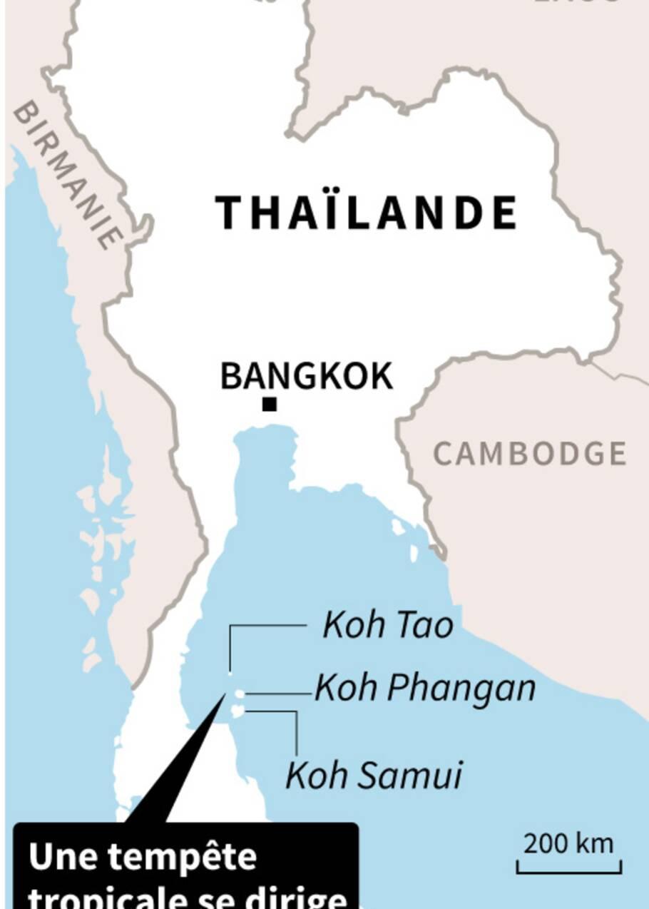 Des milliers de touristes fuient les îles de Thaïlande avant la tempête Pabuk
