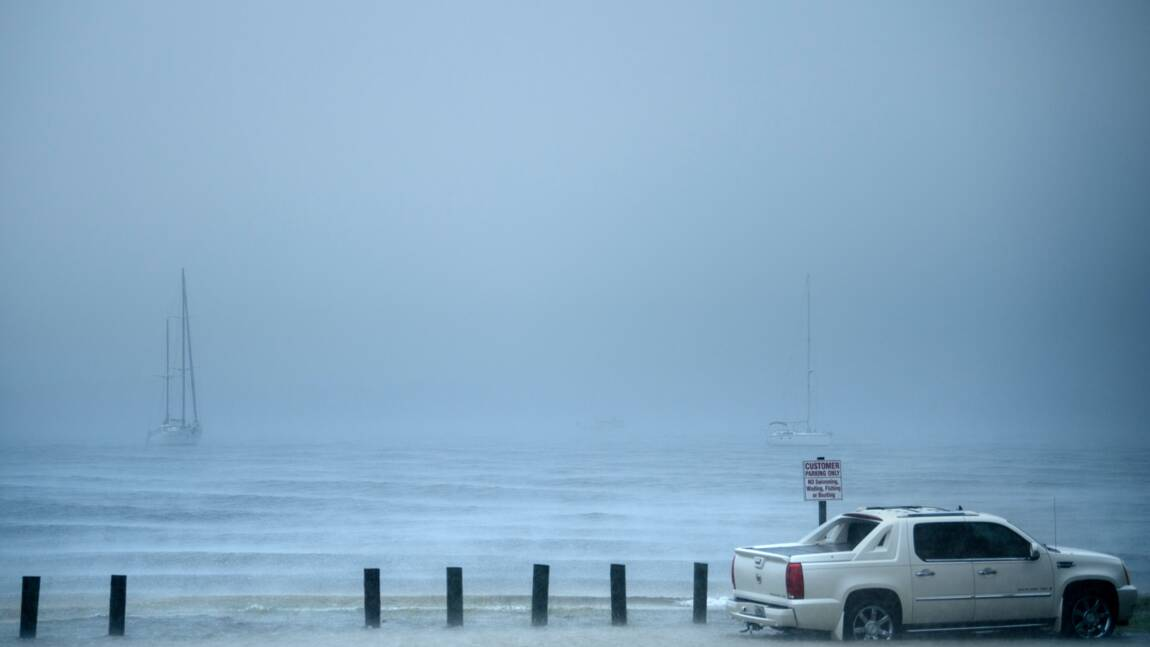 """L'ouragan Michael, """"potentiellement catastrophique"""", affleure la Floride"""
