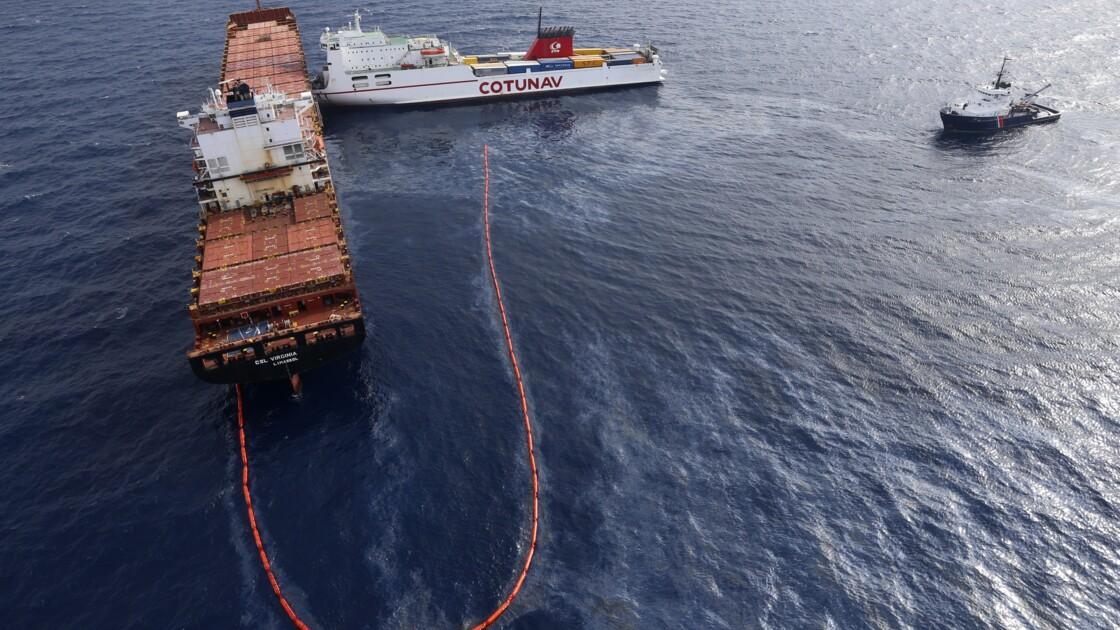 Collision de navires: il reste moins de 2% du carburant échappé en mer selon la préfecture