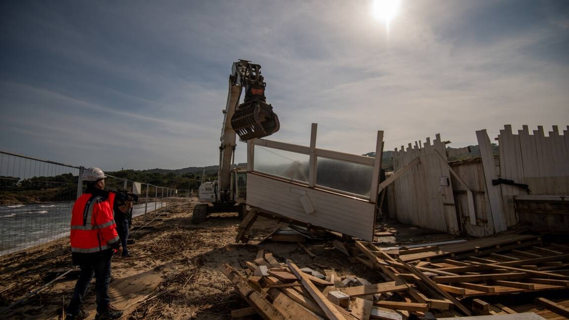 Les bulldozers à Pampelonne pour une plage plus sauvage