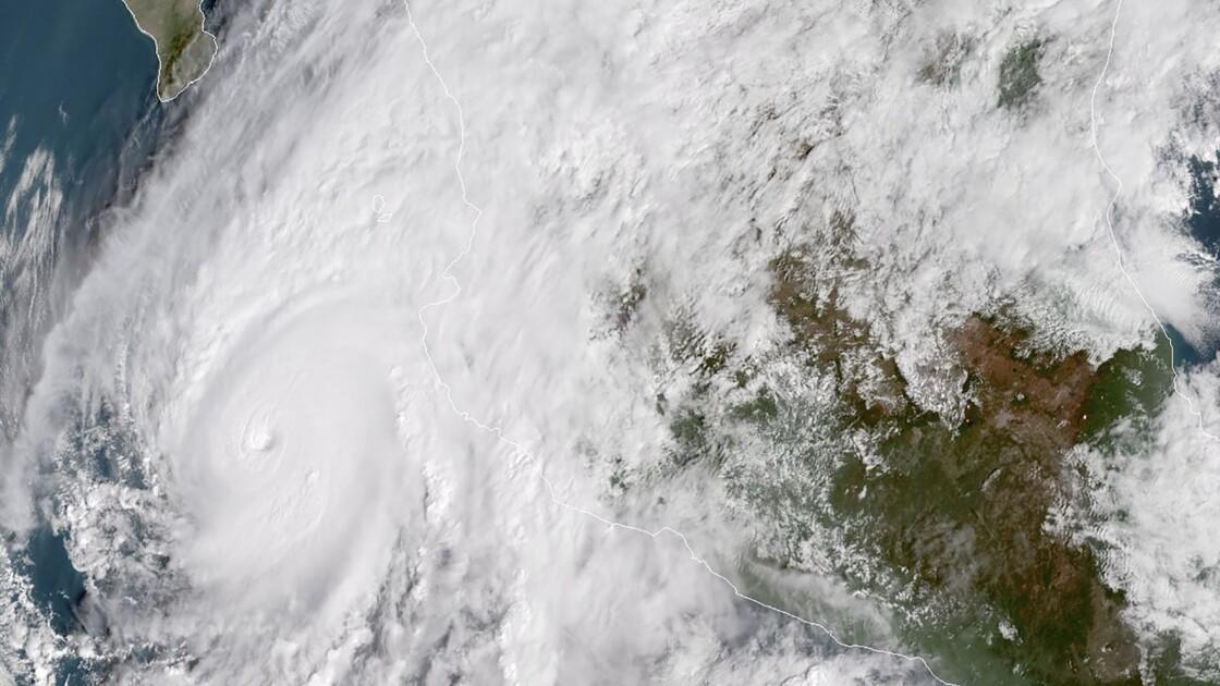 L'ouragan Willa en catégorie 5 à l'approche du Mexique