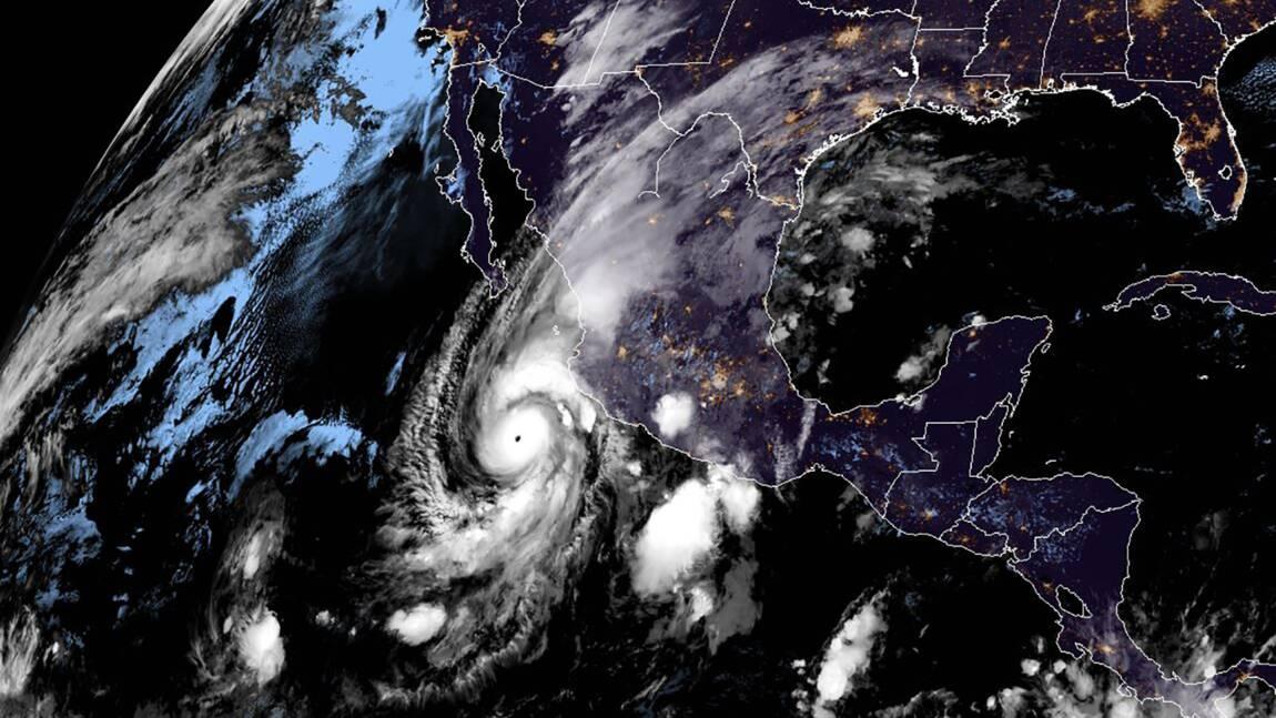 Un ouragan de catégorie 4 dans le Pacifique en route vers le Mexique