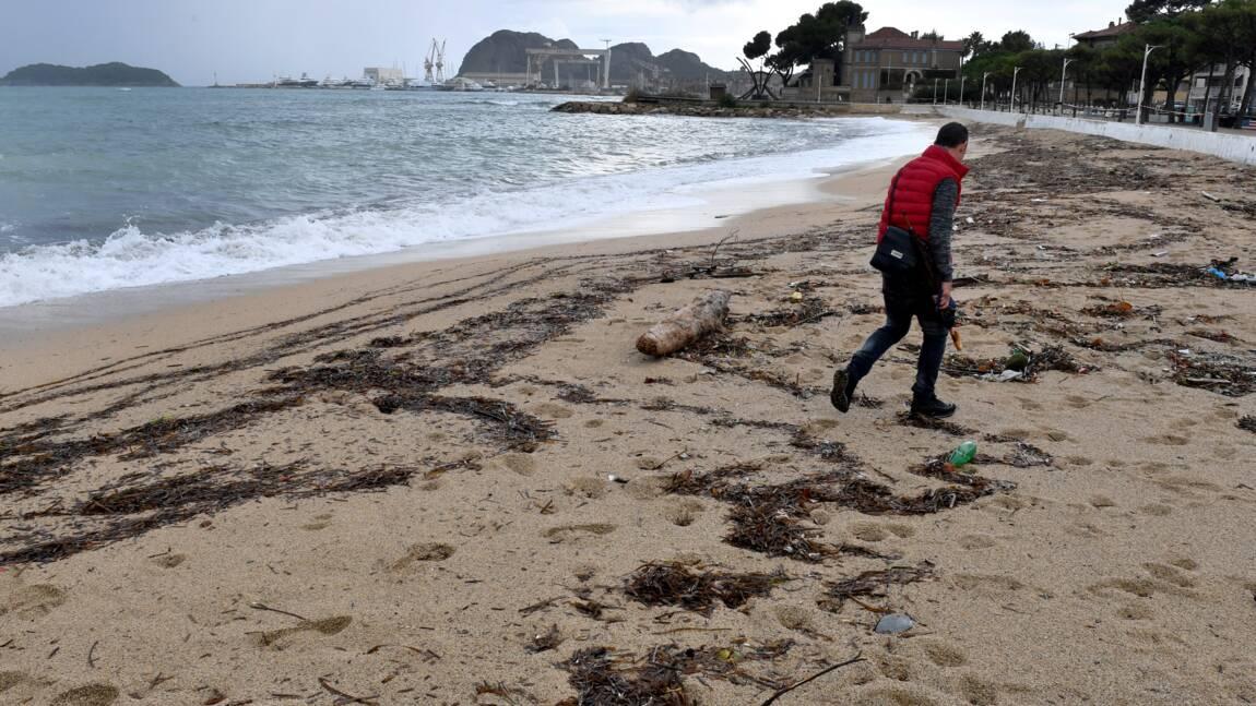 Des boulettes d'hydrocarbure sur des plages de La Ciotat et des calanques de Marseille