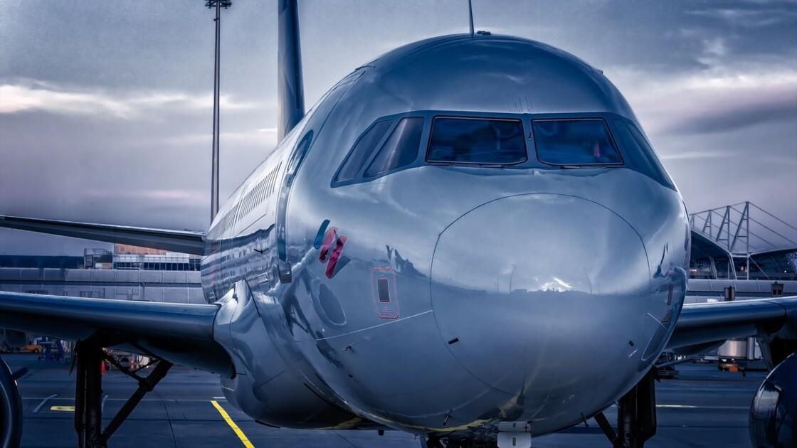 Compagnies low cost : quelles différences avec les compagnies aériennes traditionnelles ?