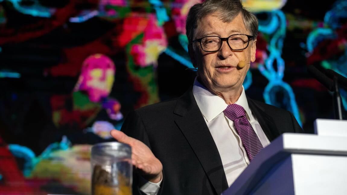 """Pot de chambre en main, Bill Gates défend la """"révolution des WC"""" en Chine"""